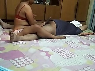 Indian Bhabhi Sex With Boss From one's own viewpoint Border
