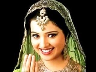 Hot Pakistani Mujra at Indian Gujjar Weddings