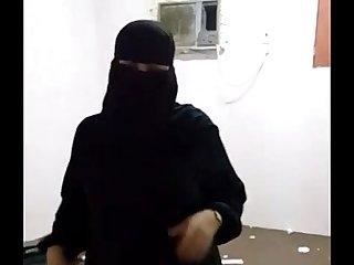 Big Ass Indian Pakistani MILF Blowjob Doggy Style Sex  IndianHiddenCams.com