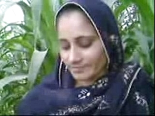 Pakistani village girl fucked apart from her cousion in open field